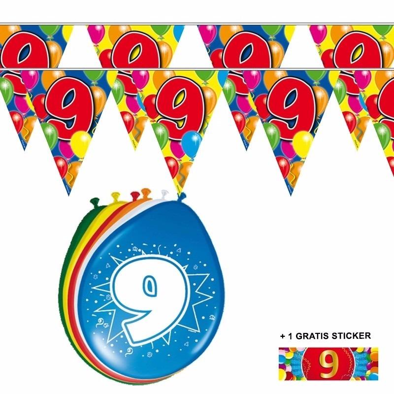 2x 9 jaar vlaggenlijn + ballonnen