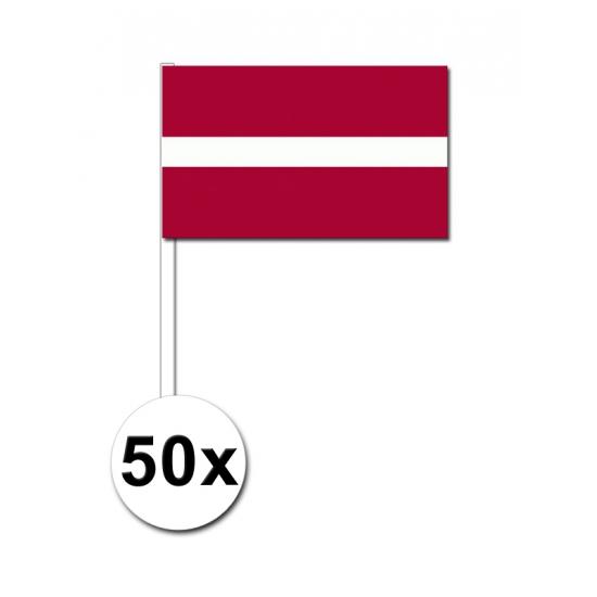 50 Letlandse zwaaivlaggetjes 12 x 24 cm