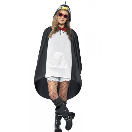 Party regenponcho pinguin