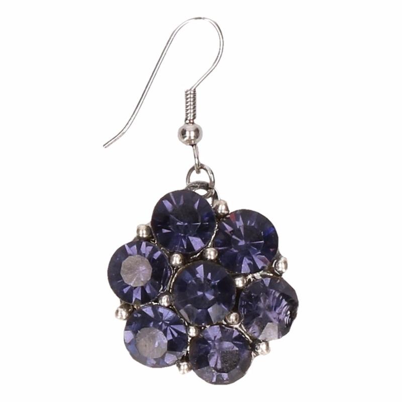 Zilveren oorbellen met blauwe steentjes chunk