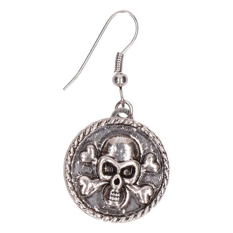 Zilveren oorbellen met doodshoofd chunk