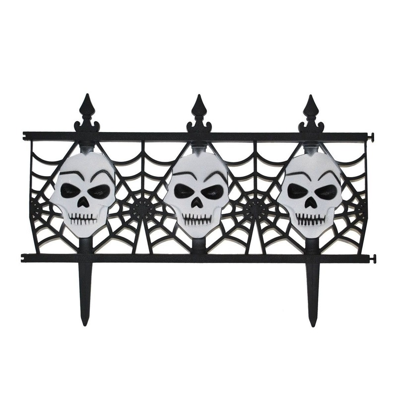 Halloween decoratie hekje met schedels