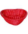Rode rieten mand hartvormig