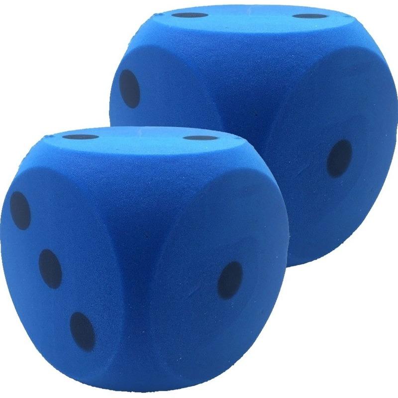 2x Grote foam dobbelstenen blauw 16 x 16 cm