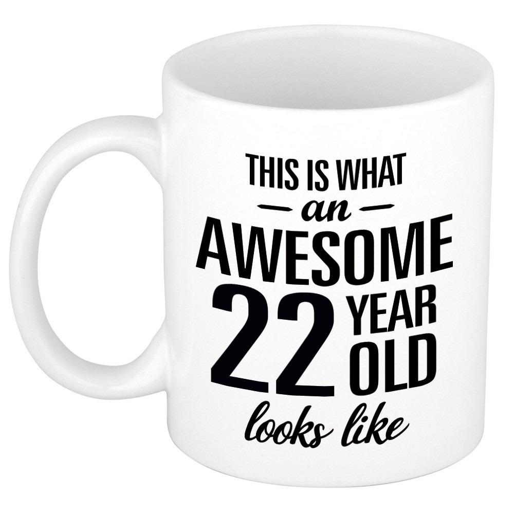 Awesome 22 year cadeau mok - beker 300 ml