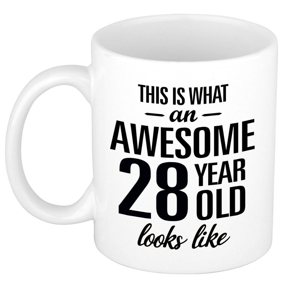 Awesome 28 year cadeau mok - beker 300 ml