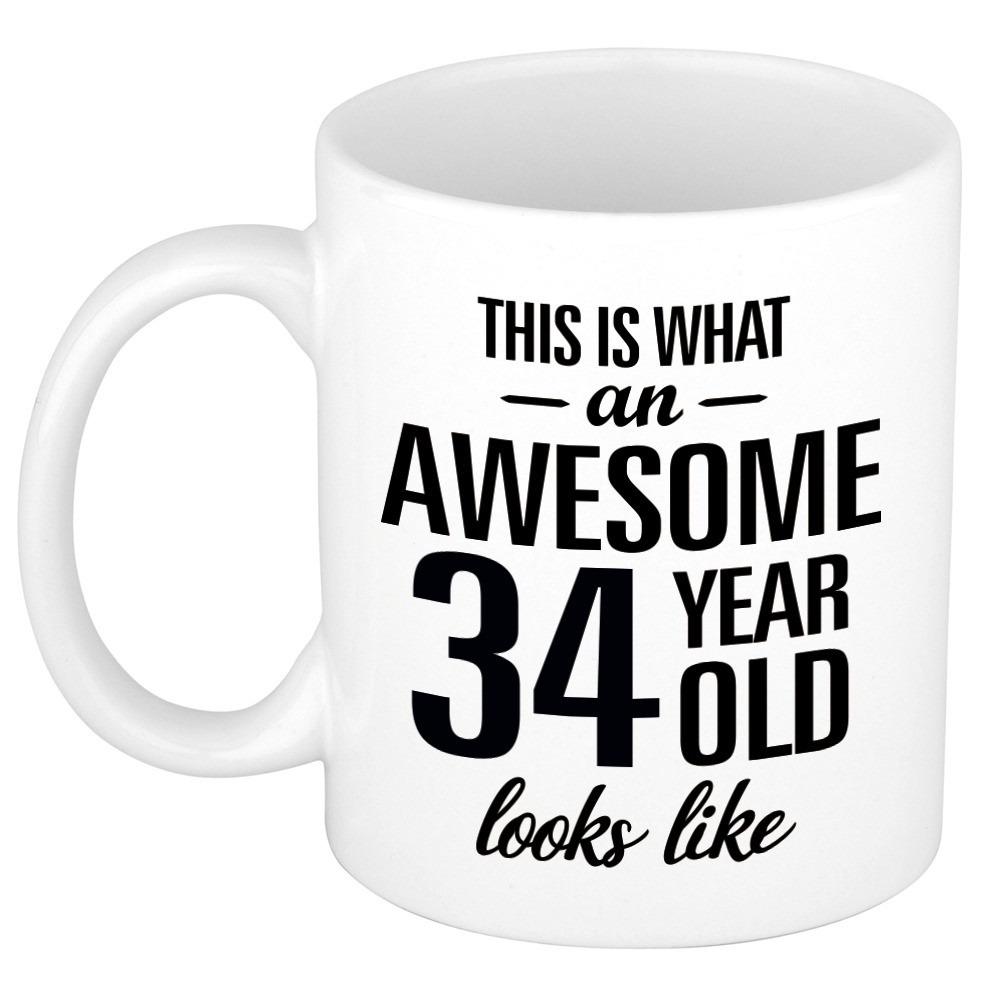 Awesome 34 year cadeau mok - beker 300 ml