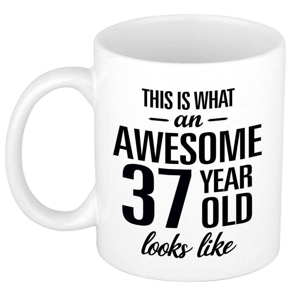 Awesome 37 year cadeau mok - beker 300 ml