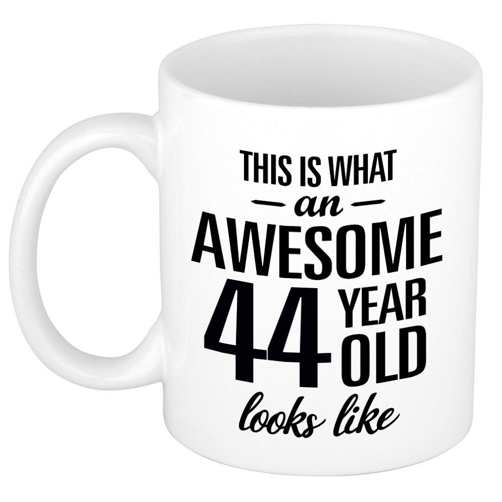 Awesome 44 year cadeau mok - beker 300 ml