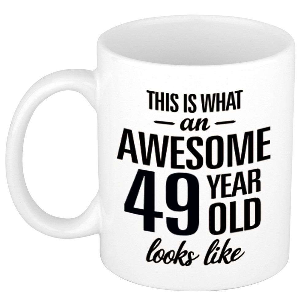 Awesome 49 year cadeau mok - beker 300 ml