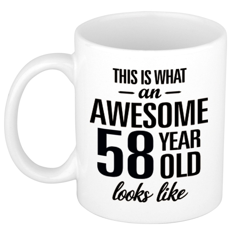 Awesome 58 year cadeau mok - beker 300 ml