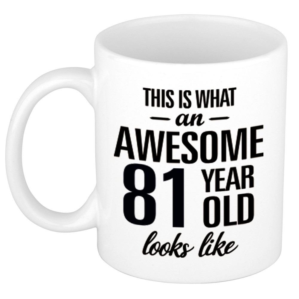 Awesome 81 year cadeau mok - beker 300 ml