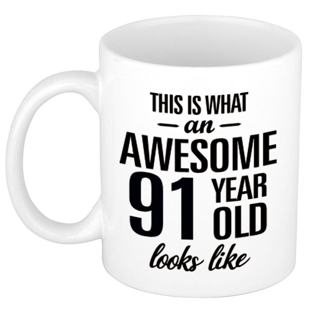Awesome 91 year cadeau mok - beker 300 ml