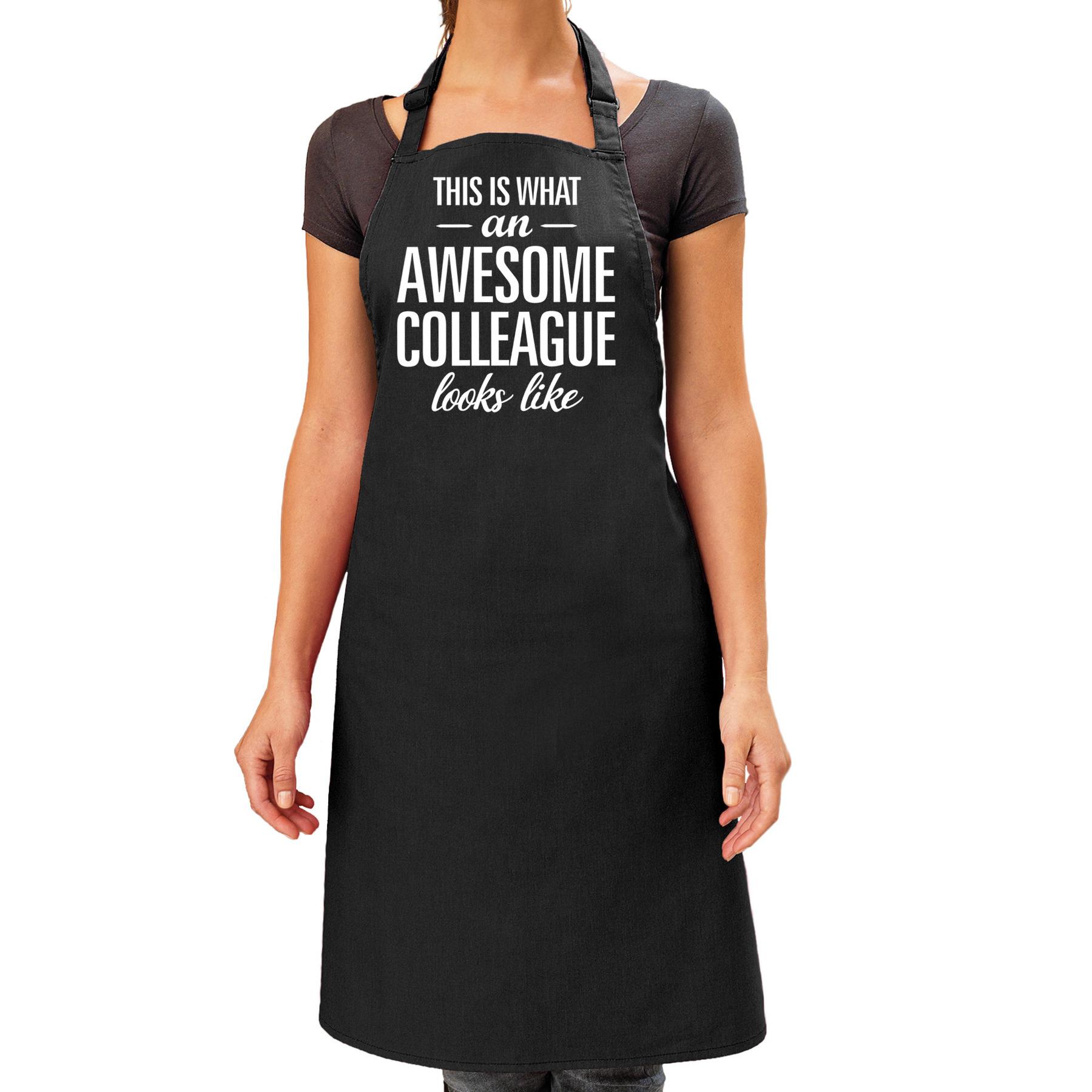 Awesome collegue cadeau bbq/keuken schort zwart dames