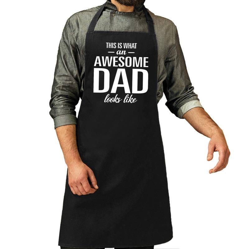 Awesome dad cadeau bbq/keuken schort zwart heren - Feestschorten