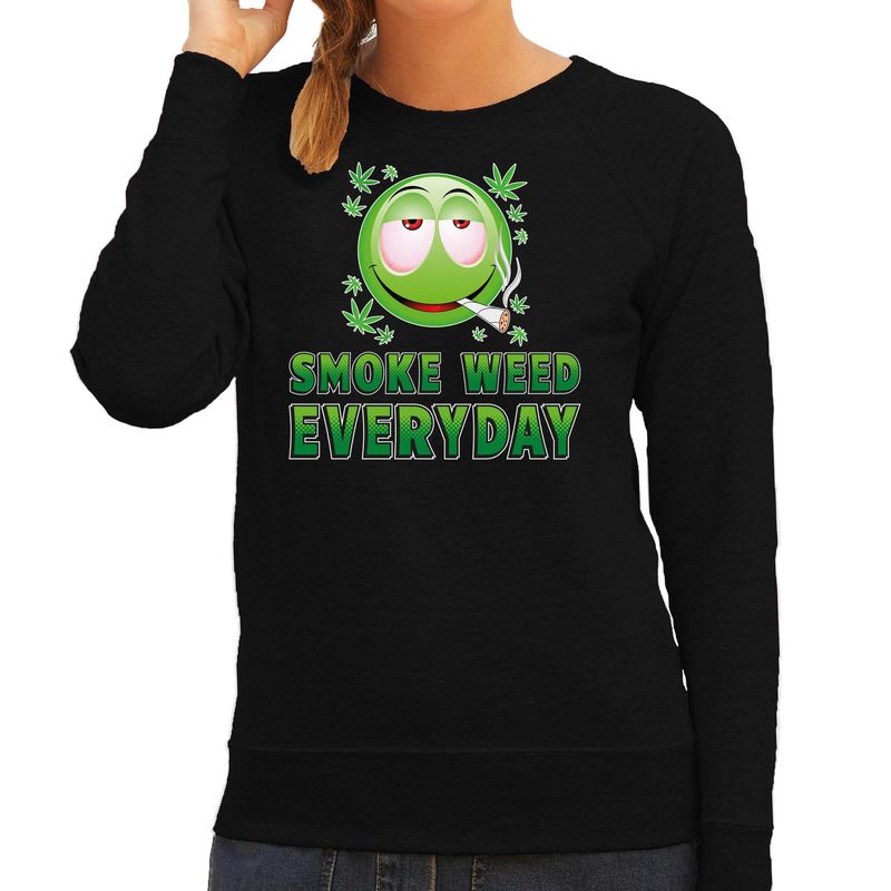 Funny emoticon sweater Smoke weed every day zwart dames