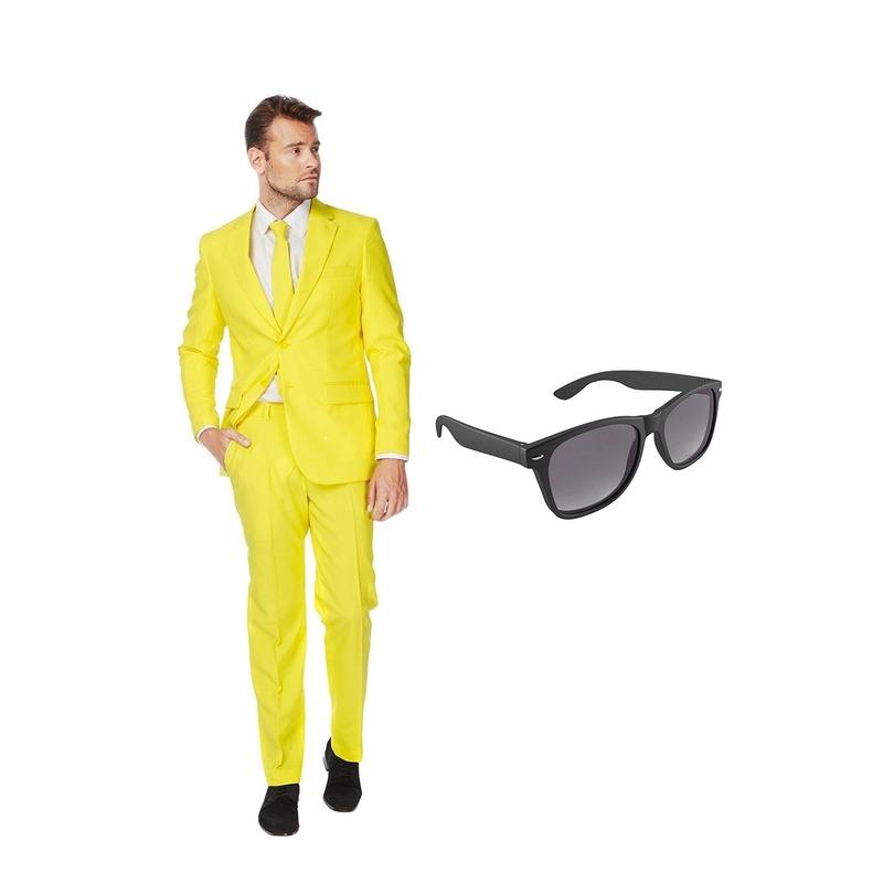 Geel heren kostuum maat 54 (XXL) met gratis zonnebril