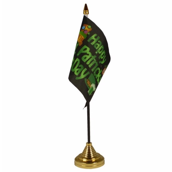 Happy St Patricks Day tafelvlaggetje 10 x 15 cm met standaard