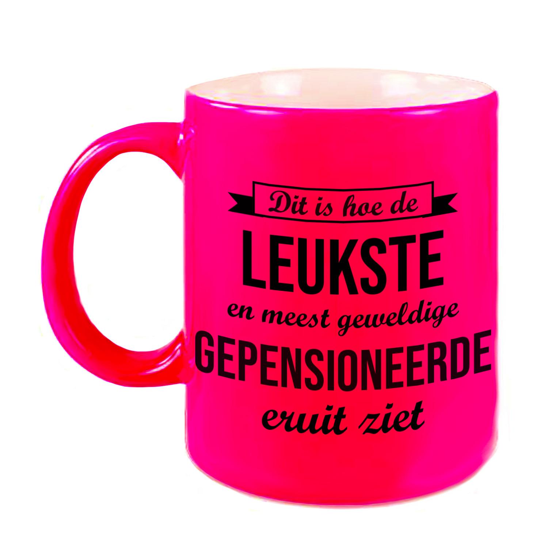 Hoe de leukste gepensioneerde eruitziet mok - beker neon roze bedankt cadeau collega 330 ml
