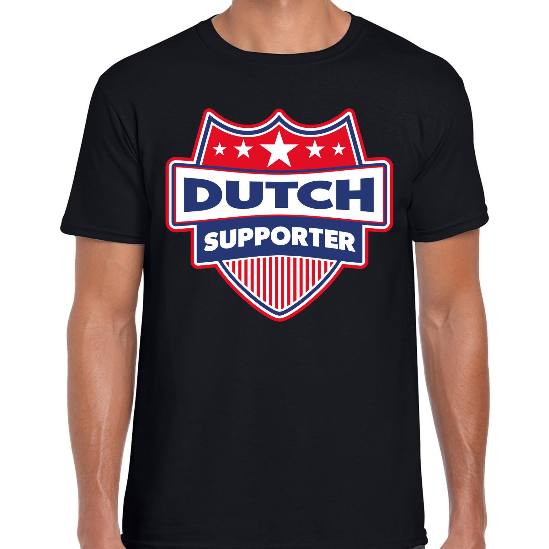 Nederland / dutch schild supporter t shirt zwart voor heren. op dit zwarte t shirt staat een schild met de ...