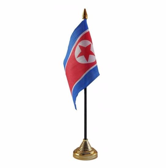 Noord Korea tafelvlaggetje 10 x 15 cm met standaard