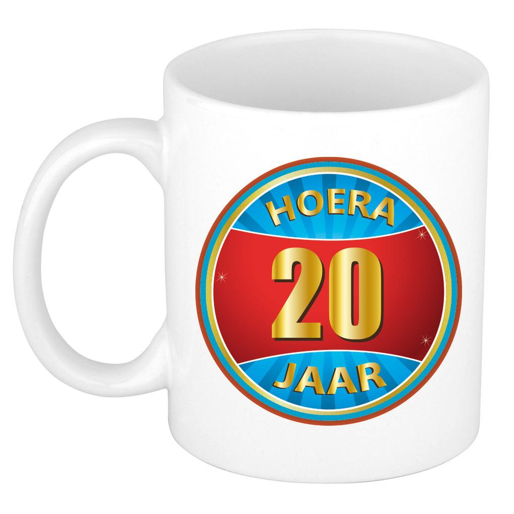 Verjaardag mok beker hoera 20 jaar verjaardagscadeau