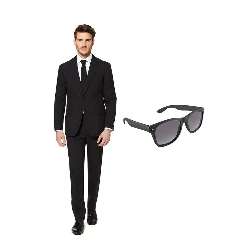 Zwart heren kostuum maat 58 (XXXXL) met gratis zonnebril